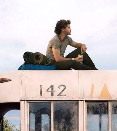 Alasca remove 'ônibus mágico' abandonado famoso pelo filme 'Natureza Selvagem'