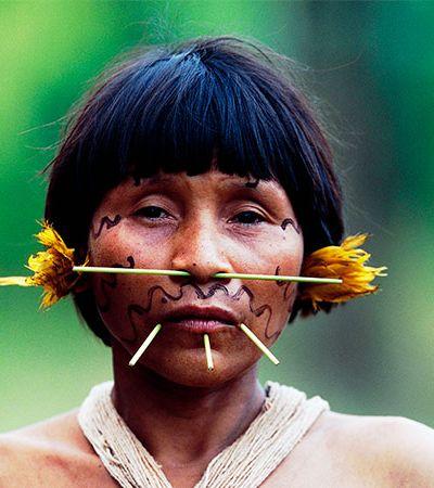 Yanomami, que podem ter 40% de infectados pelo coronavírus, sofrem ataque ambiental impressionante