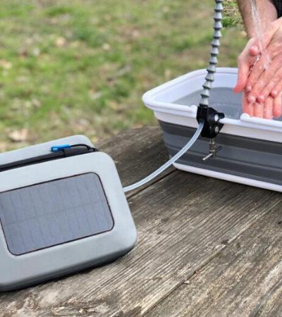 Purificador de água movido a energia solar é estação de saneamento portátil