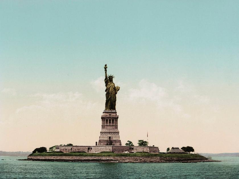 Imagem da Estátua da Liberdade antes de oxidar
