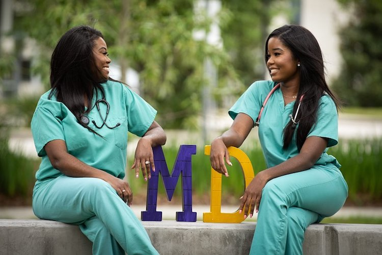 mãe e filha médicas 3
