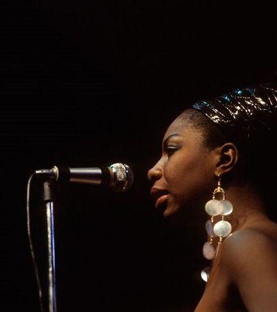 Nina Simone: estilo único e o guarda roupa irreverente da cantora são pura inspiração
