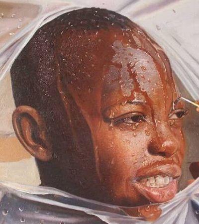 Artista nigeriano inova pintando retratos de pessoas se libertando do plástico