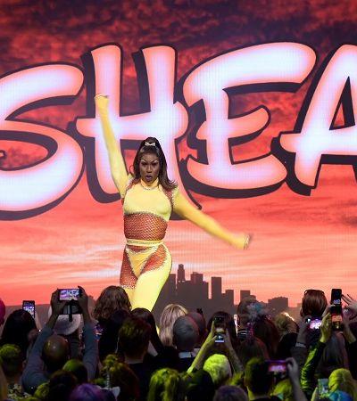 Drag queen negra expõe racismo ao citar pedido de show 'vestida de escrava'