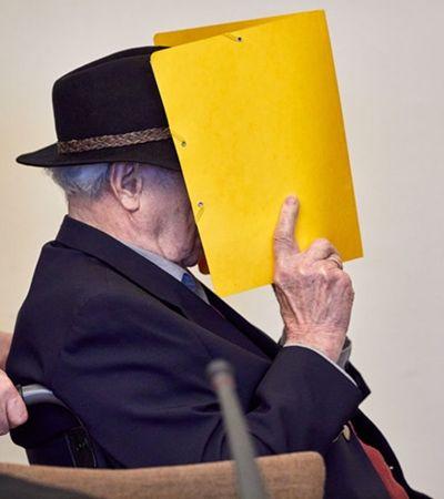 Sem mostrar o rosto, ex-guarda de campo de concentração nazista se desculpa em julgamento