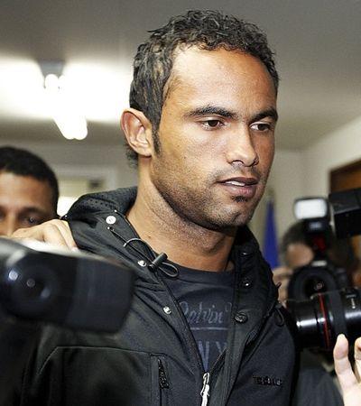 Contratação do goleiro Bruno por clube do Acre mostra obsessão social por dinheiro e fama