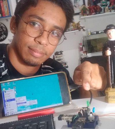 Professor e ex-catador cria computador de R$ 22 para ajudar crianças na pandemia