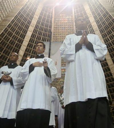 Padres negros e o racismo que sustenta a branquitude da Igreja Católica