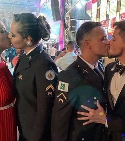 PMs criticados por beijo gay em festa depõem como vítimas após homofobia de coronel