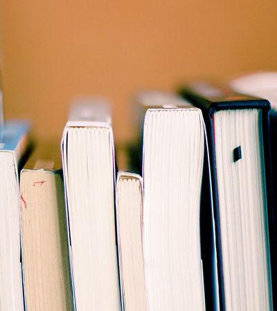 Livros mais caros e livrarias falidas, 'imposto da leitura' gera campanha nas redes