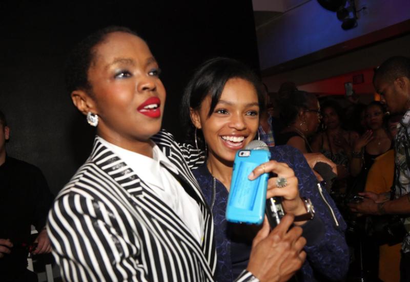 Lauryn Hill e Selah Marley comemorando juntas