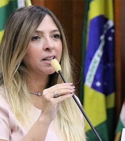 Vereadora ouve 'cala a boca' de colega e protesta contra 'chiliques de barba' na política