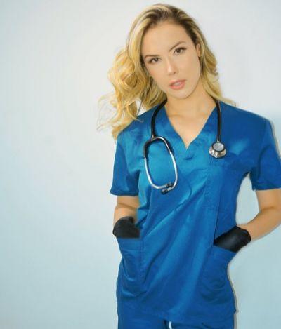 Médica brasileira reclama do machismo que a impede de trabalhar após participar de 'Miss Bumbum'