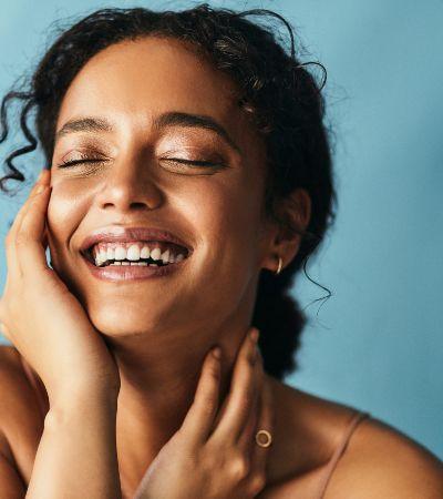 5 cuidados essenciais para manter a pele nutrida e hidratada o ano todo