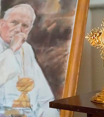 Sangue do Papa João Paulo II é roubado de catedral dias antes de transferência