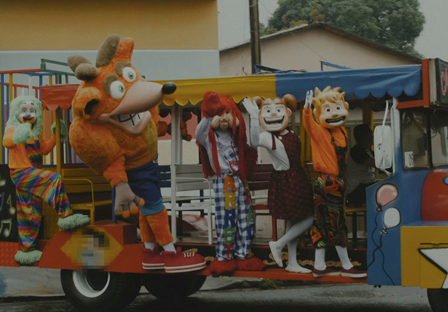 Crash entra pra Carreta Furacão para promover novo 'Crash Bandicoot 4'