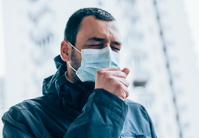 Sintomas de Covid-19 duram meses para alguns pacientes; entenda porquê