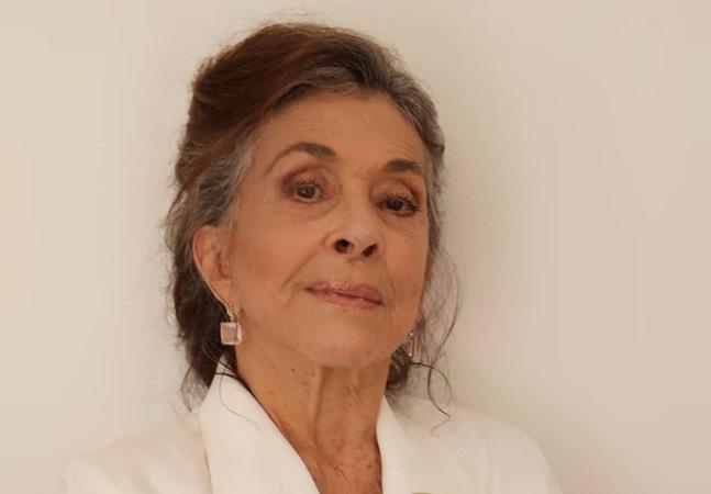 Betty Faria fala das cantadas que recebe na internet: 'tem uns rapazinhos oferecidos'