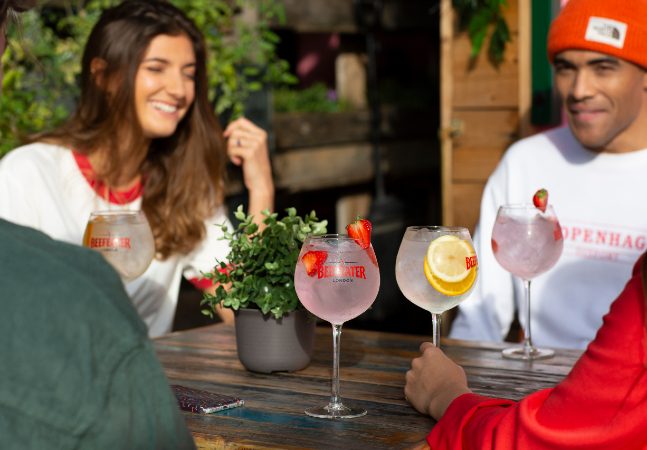 3 harmonizações de gin tônica e petiscos para fazer da sua casa o melhor bar da cidade