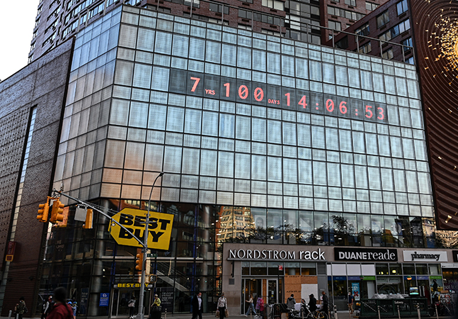 Relógio em NY faz contagem regressiva para crise climática tornar-se irreversível