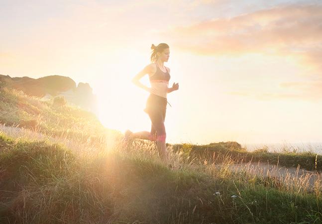 Exercício matinal pode evitar câncer, diferente de exercício no fim do dia, aponta estudo