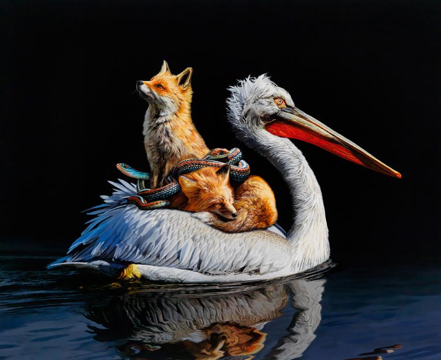 Pintura de uma ave com uma raposa em suas costas e uma cobra envolta na raposa. A ave está levando os outros dois animais pela água, como se os tivesse atravessando de um lado para outro