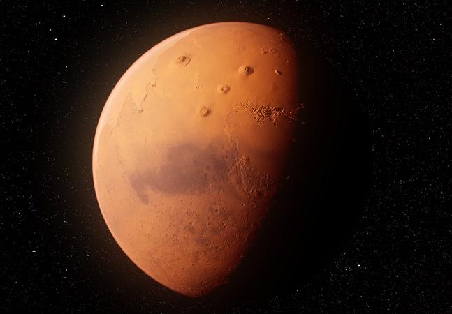 Marte estará maior e mais brilhante por estar mais próximo da Terra nesta terça