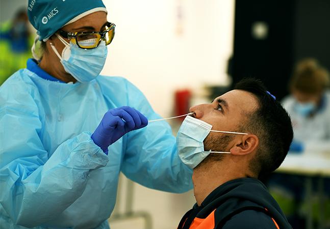 Cientistas divulgam descoberta de nova variante do coronavírus na Europa
