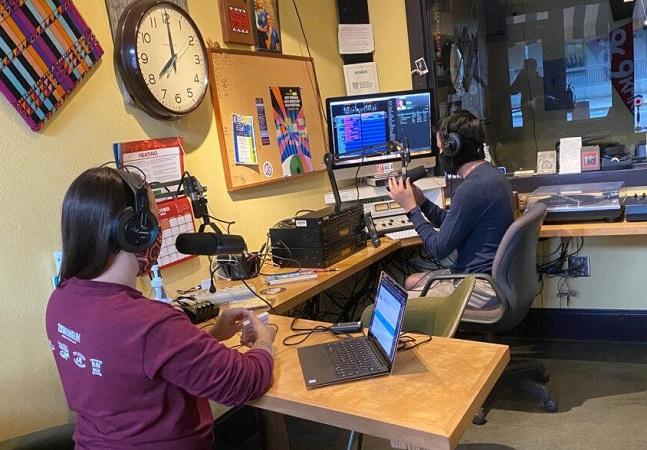 Esta estação de rádio no Arkansas é totalmente movida a energia solar