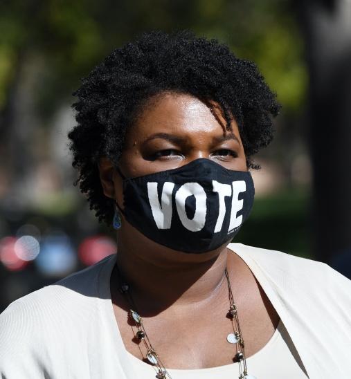 Virada na Geórgia: com Stacey Abrams, provável derrota de Trump veio pela força do punho negro