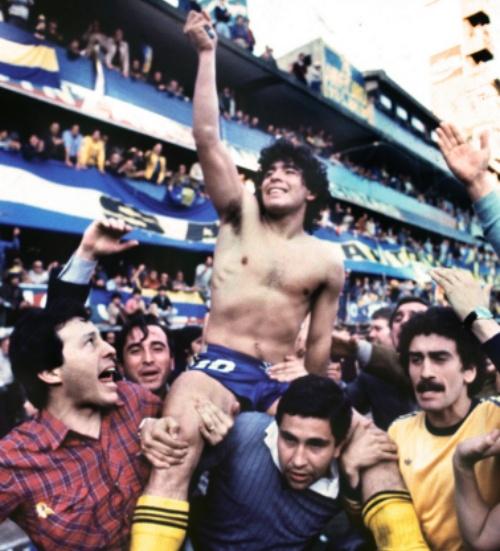Maradona morre aos 60 anos: o legado de Don Diego, semi-Deus do futebol