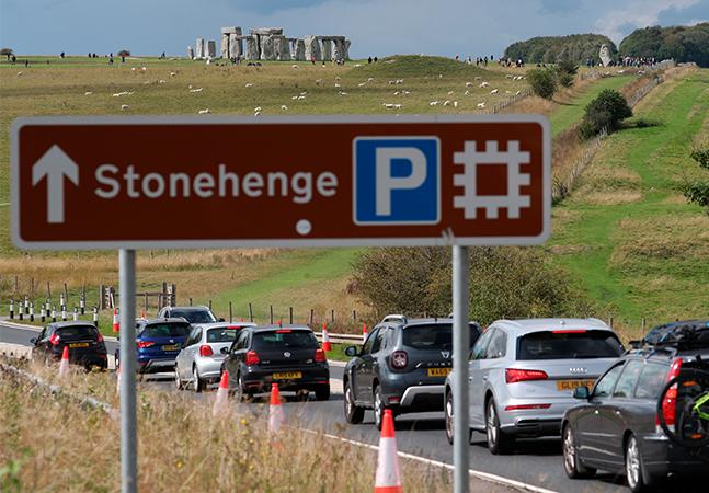 Stonehenge ganha túnel subterrâneo de R$ 12 bilhões para reduzir trânsito ao redor