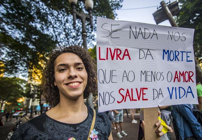 Negros morrem mais por transfobia e Brasil vive ausência de dados sobre população LGBT
