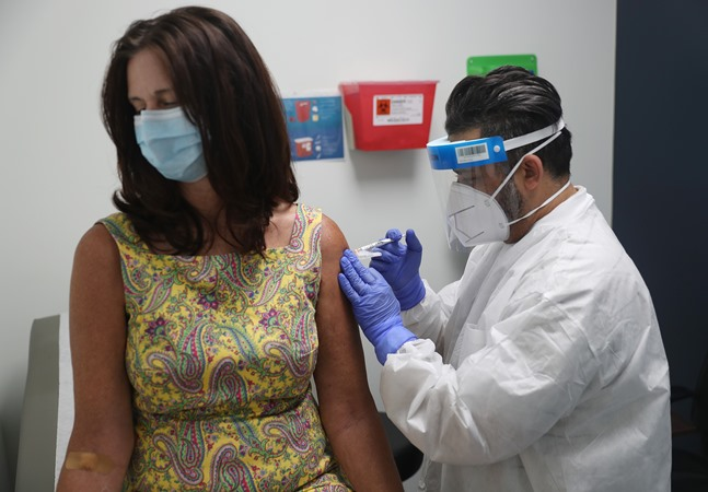 Coronavírus: responsável por vacina da Pfizer, cientista diz que vida volta ao normal em 2021
