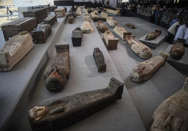 Egito encontrou nada menos do que mais de 100 sarcófagos com 2,5 mil anos