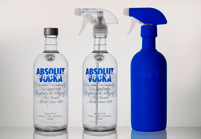 Absolut lança garrafa de vodka com spray para incentivar reciclagem