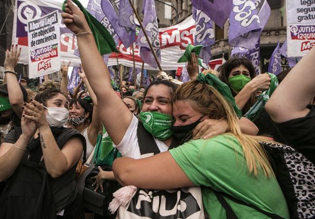 Argentina está próxima da legalização do aborto com sinal verde da Câmara