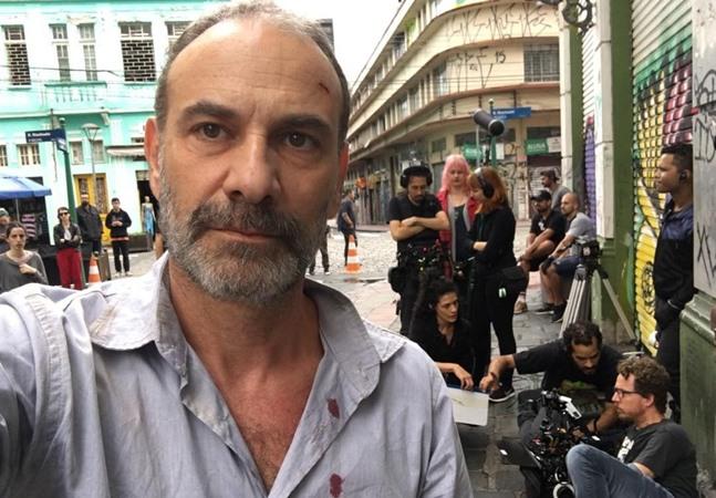 Marco Ricca, internado há 15 dias para tratar covid-19, segue intubado em UTI