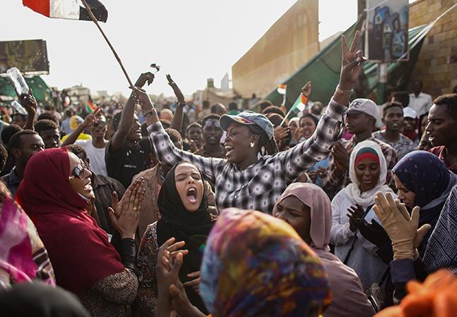 Sudão bane casamento infantil e mutilação genital feminina, mas prática apresenta desafios