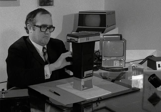 Era assim que imaginavam os escritórios do futuro em 1969