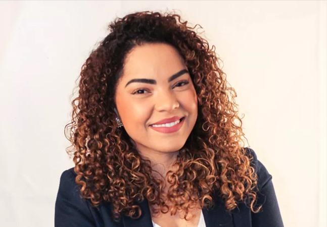 Mulher negra eleita prefeita aos 32 anos sofre com ataques racistas e covardes: 'Cara de favelada'