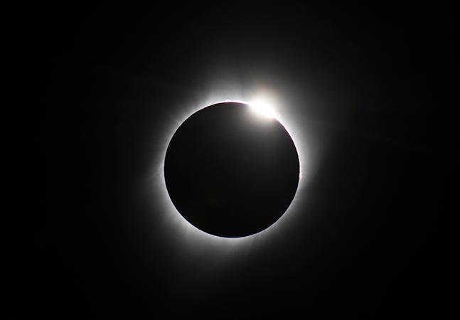 Eclipse total do Sol de hoje será transmitido ao vivo pela Nasa; Sul do Brasil terá visão melhor