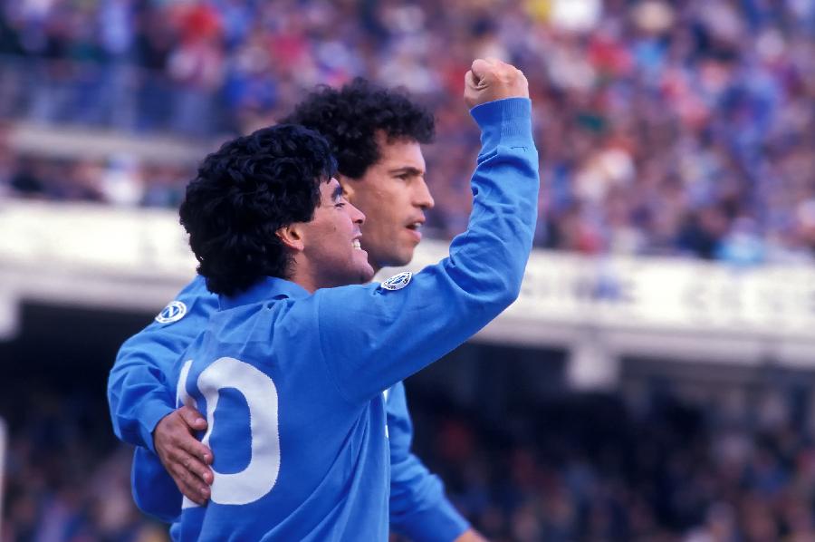 Diego Maradona e Careca jogando pelo Napoli