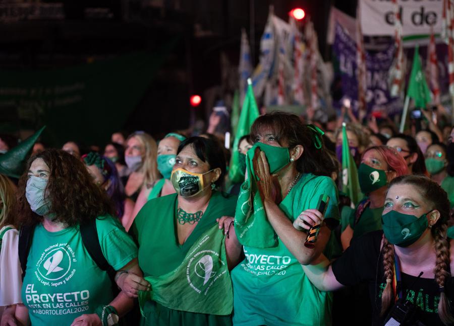 Manifestantes da 'maré verde' em vigília