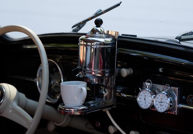 Máquina de café para carros dos anos 1950 é uma das coisas mais legais que você já viu