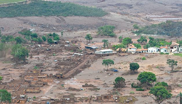 Parte da área atingida após o rompimento da barragem em Mariana