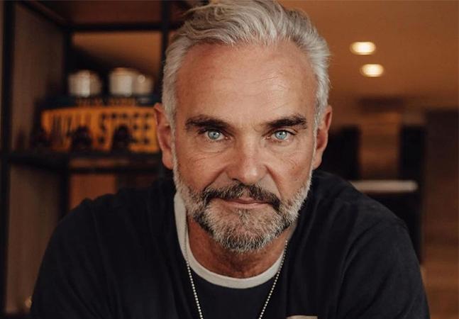 Matheus Carrieri fala orgulhoso sobre bissexualidade das filhas: 'Olhar mais amoroso'