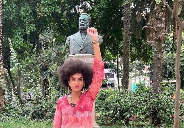 Vereadora intersexo do PSOL é alvo de atentado a tiros em casa