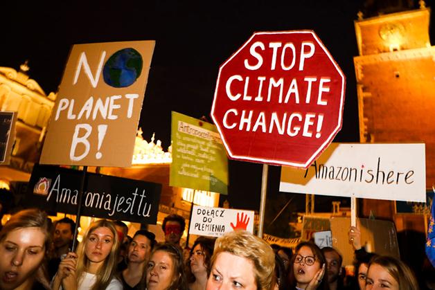 Manifestação do Fridays for Future na Polônia contra as mudanças climáticas
