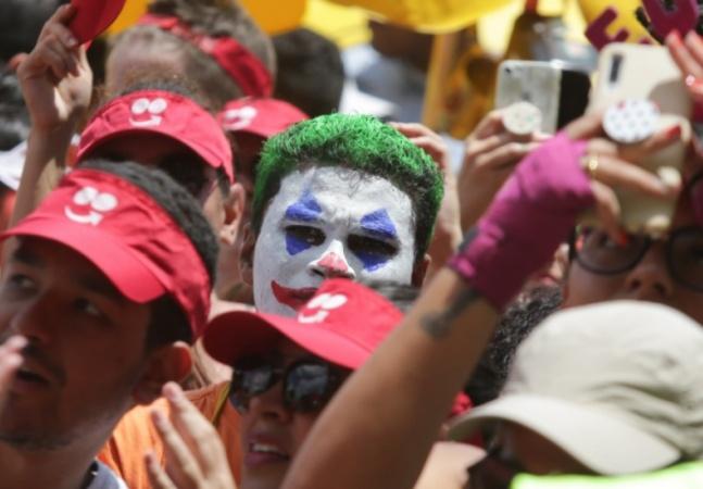 Carnaval não será ponto facultativo em SP para conter pandemia, decide prefeito